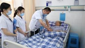 心血管内科成功实施一例高难度冠脉介入手术